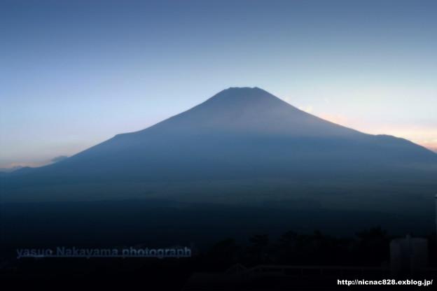 美しき富士 夏の夕暮れに…