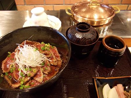 近江牛たたき丼