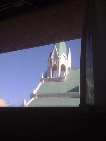 楽屋の窓から