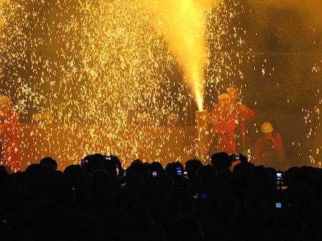炎の祭典:手筒花火