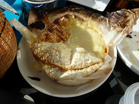 木箱入りカマンベールチーズ