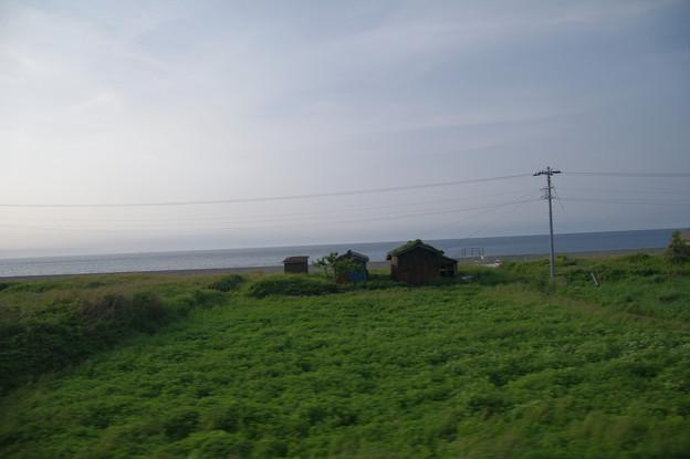 s7068_車窓_日本海側番屋