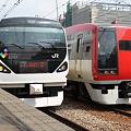 写真: E257系0番台 M-106編成・253系 Ne-06編成