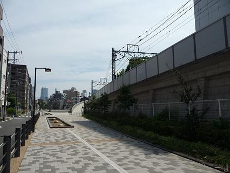 110622-東横廃線 東白楽→反町 (11)