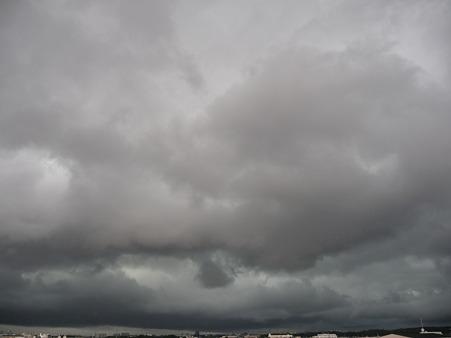 110825-雷雲接近中 (8)