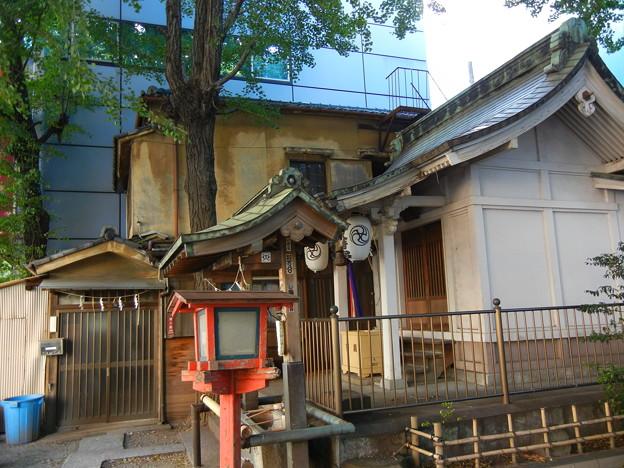 拝殿と社務所-銀杏八幡宮 (中央区日本橋蛎殻町)