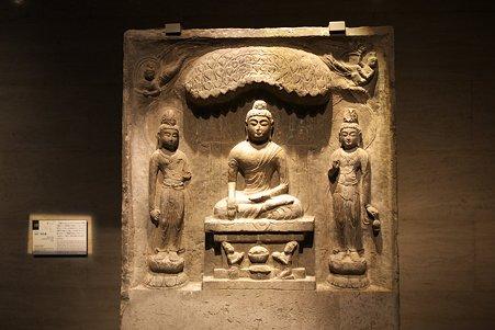 2010.11.15 東京国立博物館 仏像の道-インドから日本へ 如来三尊仏龕 西安宝慶寺