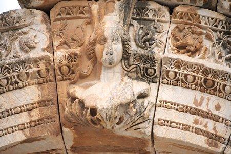 2011.01.23 トルコ 古代都市エフェス 女神ティケ
