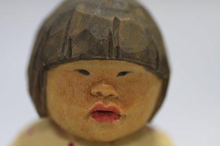 2011.08.03 机 木彫り小舎オリジナル木彫人形 女の子