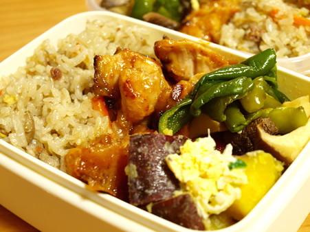 サボり翌日はがんばる、の牛舞茸ご飯&鶏胸肉梅マヨハニーソテー弁当