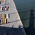 Photos: 埠頭に架かる橋
