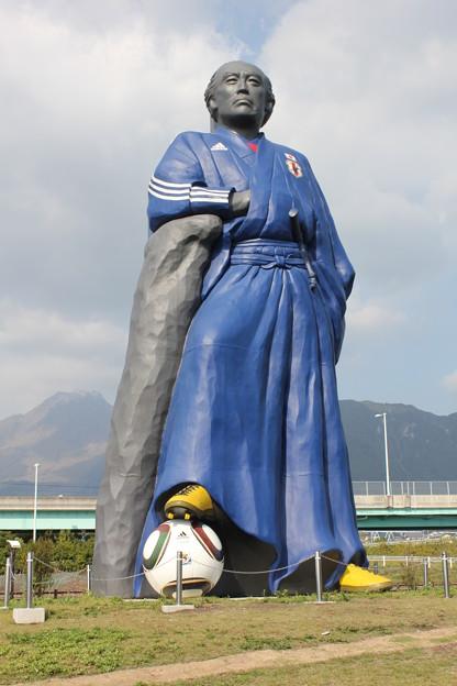 サムライブルー 龍馬像
