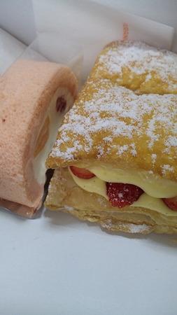 マルシェのいちごパイとフルーツロール